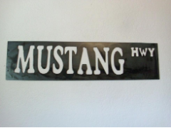 Mustang street sign
